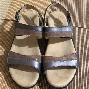 SAS Brown/Gray Ankle Strap Sandals EUC